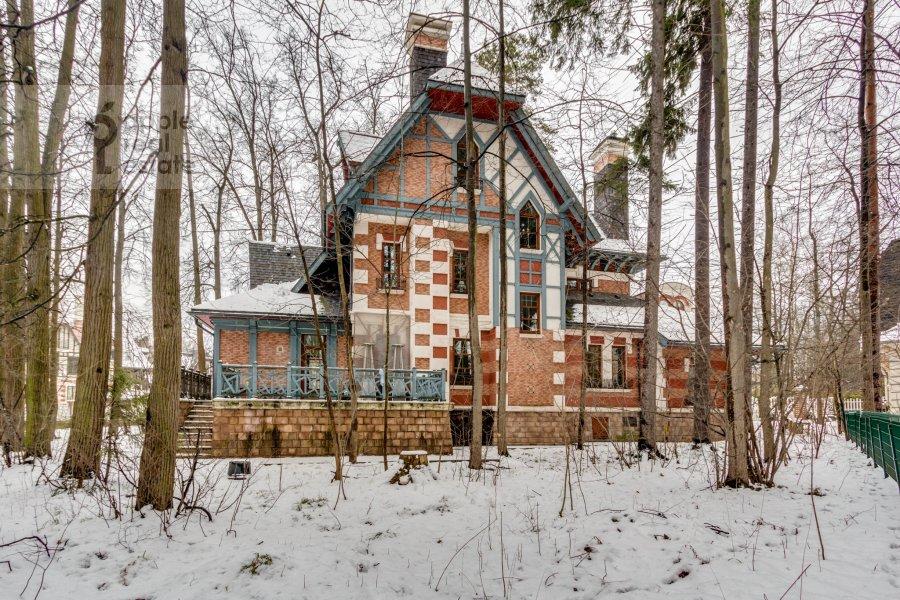 Дом в аренду по адресу Россия, Московская область, Одинцовский район,, Довиль, Озерная, 48